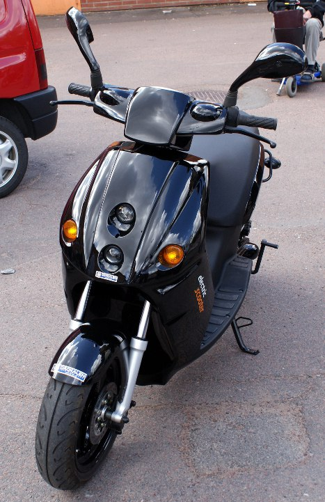 Picture of the E-Max scooter